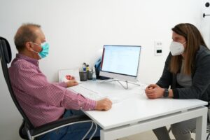 Pacijenktina na konsultacijama kod doktora kardiologije